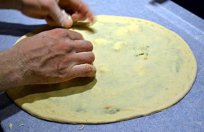 lavorazione-pizza-fiore-farro-cereali-antichi-lievito-madre-1